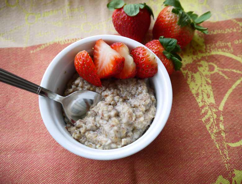 Steel Cut Oats In A Jar With Berries And Flax Seeds Recipe ...