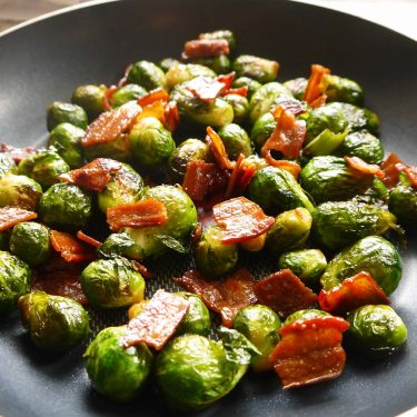 Crispy Maple Bacon Brussels Sprouts (paleo, GF) | Perchance to Cook