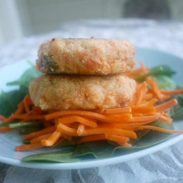 Salmon Fishcakes with an Asian Flair (paleo, GF) | Perchance to Cook, www.perchancetocook.com