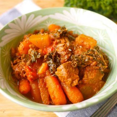 Creamy Beef, Kale, and Tomato Stew (Paleo, GF, dairy-free) | Perchance to Cook, www.perchancetocook.com