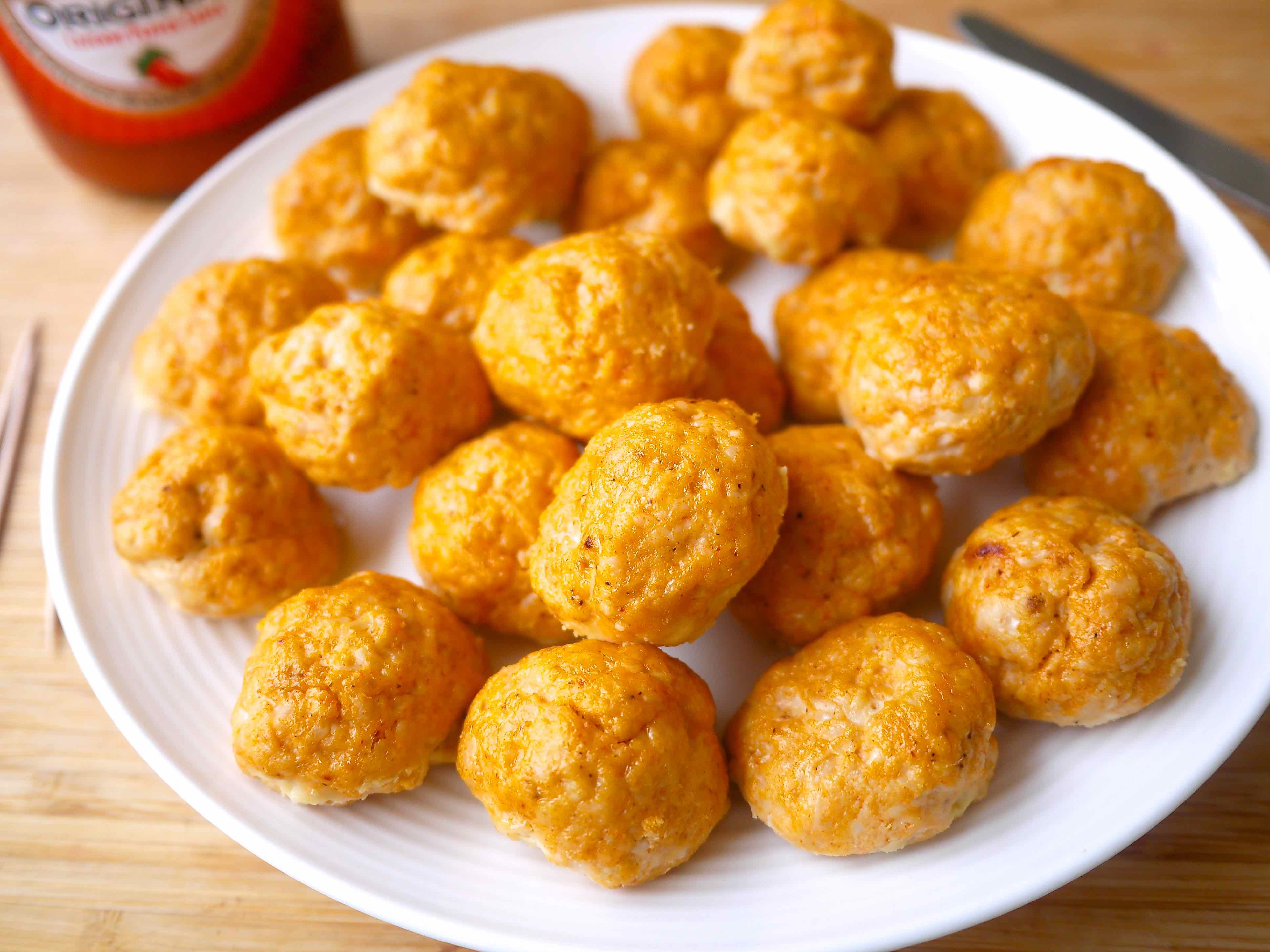 Healthy Buffalo Turkey Meatballs (paleo, GF) | Perchance to Cook, www.perchancetocook.com
