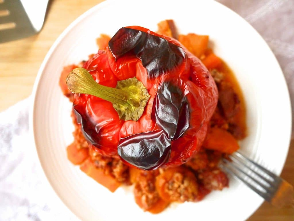 Clean Ground Turkey Roasted Stuffed Peppers ::: what you should be having for dinner tonight! #paleo #gf #clean http://www.perchancetocook.com/2015/08/20/clean-ground-turkey-roasted-stuffed-peppers-paleo-gf/