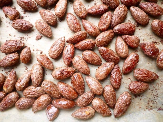 Cinnamon & Maple Roasted Almonds (paleo, GF)- my almond snack soulmate! | Perchance to Cook, www.perchancetocook.com