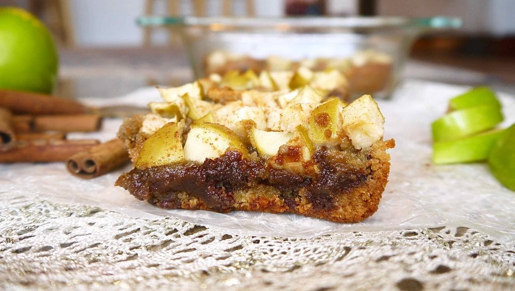 These Paleo Apple Chocolate Chip Blondies (GF) are like a chocolate chip cookie cake topped with tart crisp apples! |Perchance to Cook, www.perchancetocook.com