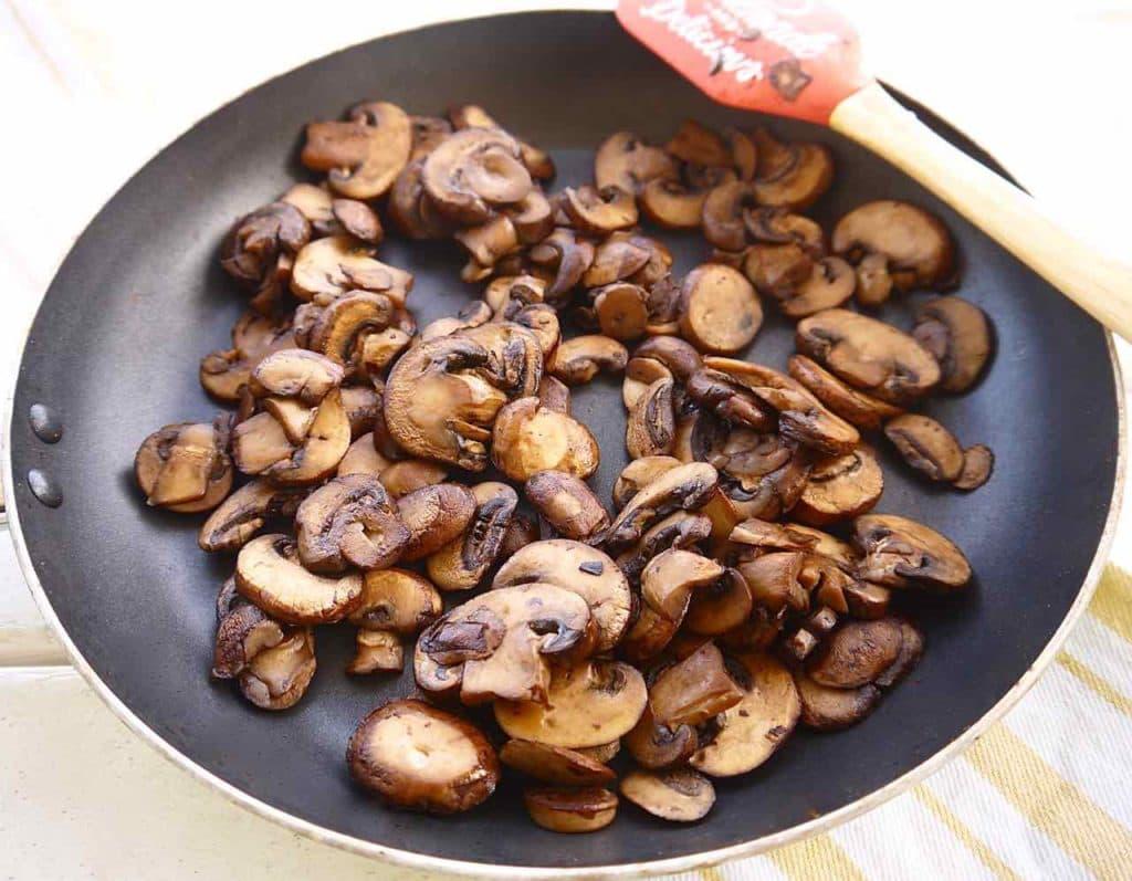 Creamy Mushroom and Chicken Spiralized Potato Casserole (Whole30, Paleo) | Perchance to Cook, www.perchancetocook.com