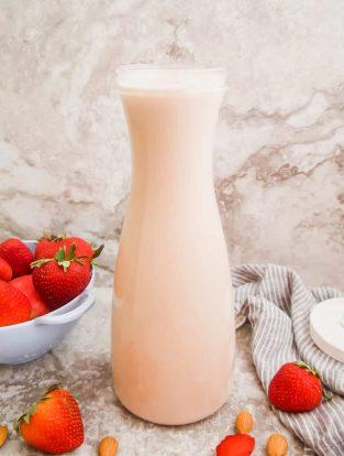 Homemade Strawberry Almond Milk (Paleo, GF) | Perchance to Cook, www.perchancetocook.com