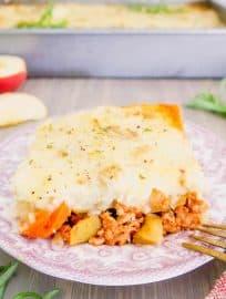 Apple Sage Turkey Shepherd's Pie with Cauliflower Potato Mash (Paleo, Whole30) | Perchance to Cook, www.perchancetocook.com