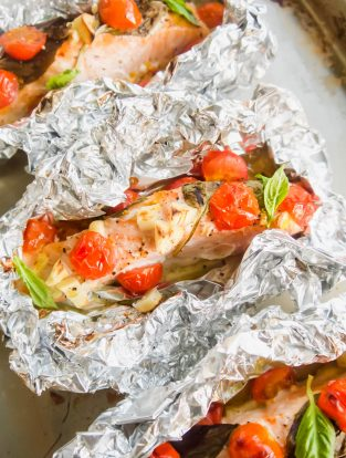 Cherry Tomato, Garlic, and Basil Baked Salmon in Foil | Perchance to Cook, www.perchancetocook.com