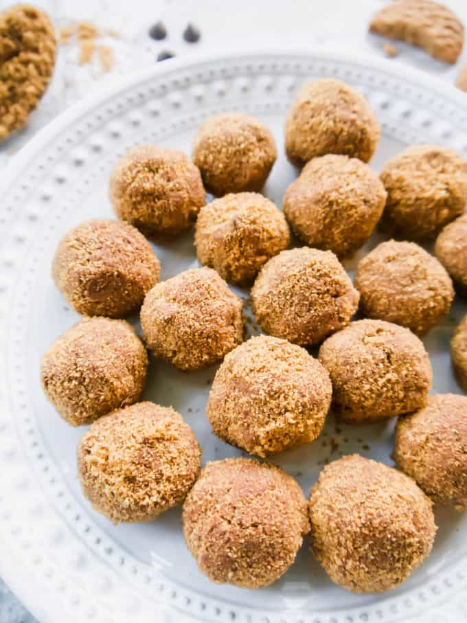 Dairy-Free Chocolate Mousse Balls (Gluten-free) | Perchance to Cook, www.perchancetocook.com