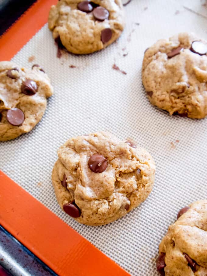 olive oil chocolate chip cookies with coconut sugar