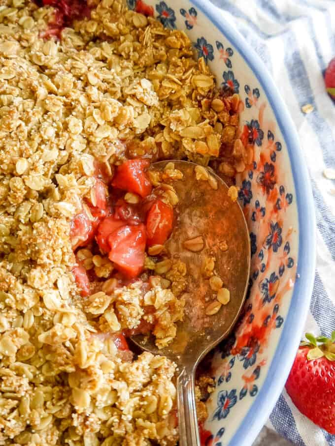 Gluten-free Strawberry Crisp (Dairy-free, Vegan) | Perchance to Cook, www.perchancetocook.com