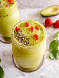 Strawberry Avocado Spinach Green Smoothie (Dairy-free) | Perchance to Cook, www.perchancetocook.com